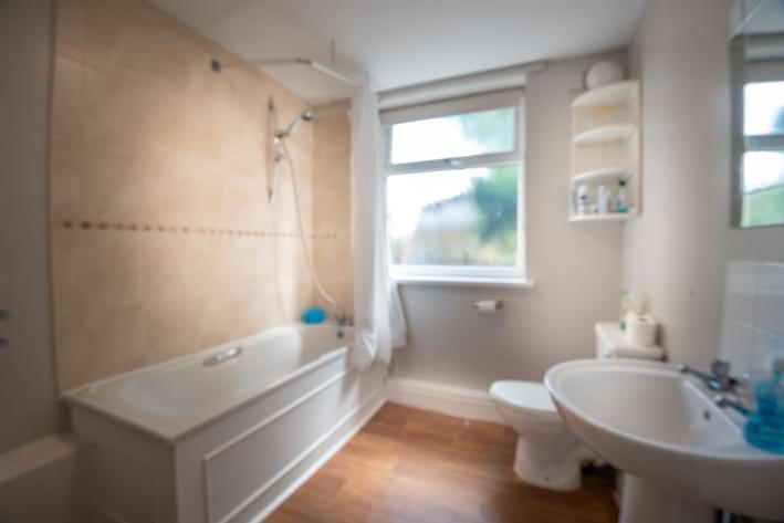 12a Tapton House Road Bathroom.jpg